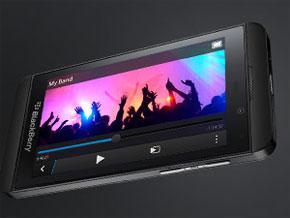 新モデルの「Z10」、2カ月で100万台を出荷——BlackBerry、第4四半期は黒字に