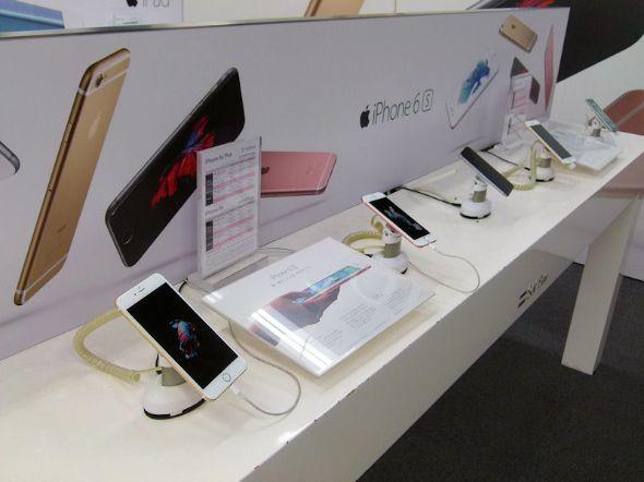 店頭の「iPhone 6s」