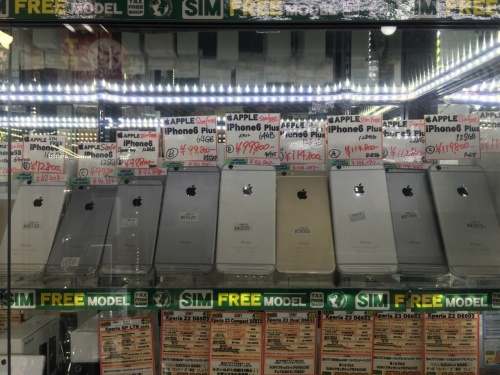 SIM�t���[��iPhone 6 / 6 Plus���X����