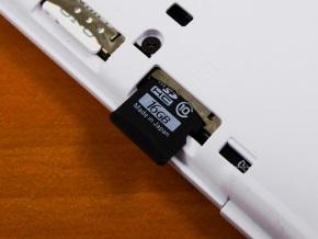 microSDカードの挿入