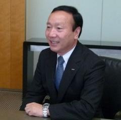 NTTドコモの加藤薫社長