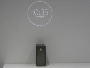 Xperia Projector(壁投影)