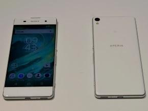 Xperia XA(ホワイト)