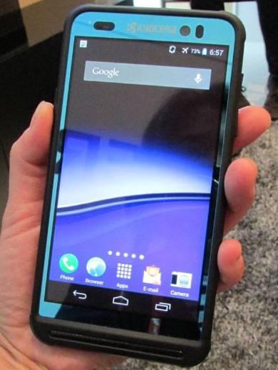 6cca4bca59 NECモバイル解散、携帯事業はNECが引き継ぐ形に - ITmedia Mobile
