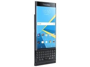 BlackBerry PRIV�̐��ʁi�L�[�{�[�h���J������ԁj