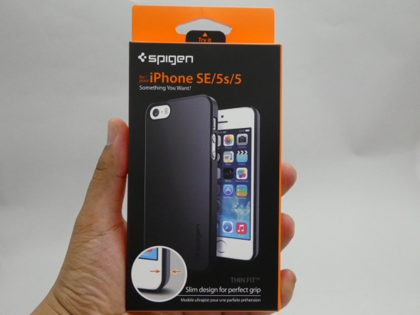 iPhone SE用シン・フィットのパッケージ