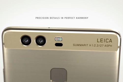 背面のデュアルカメラにLeicaレンズを採用