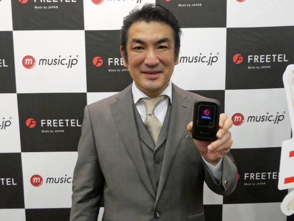 ARIA 2を手にする増田社長