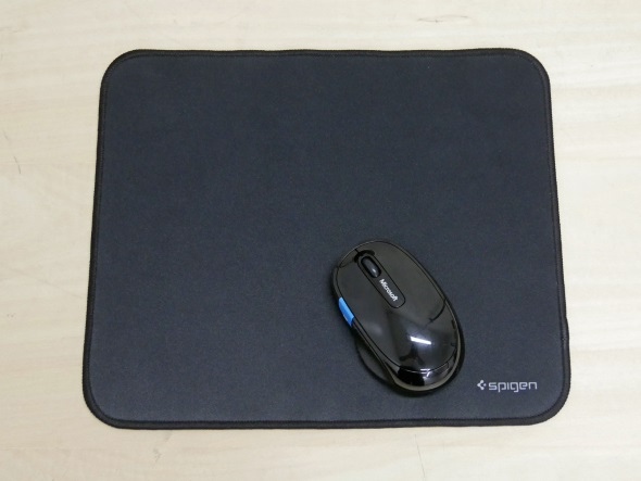 Microsoft Sculpt Comfort Mouseを置いてみる
