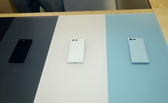 Xperia X Compactは3色展開