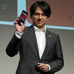 g06の製品説明をする鈴木氏