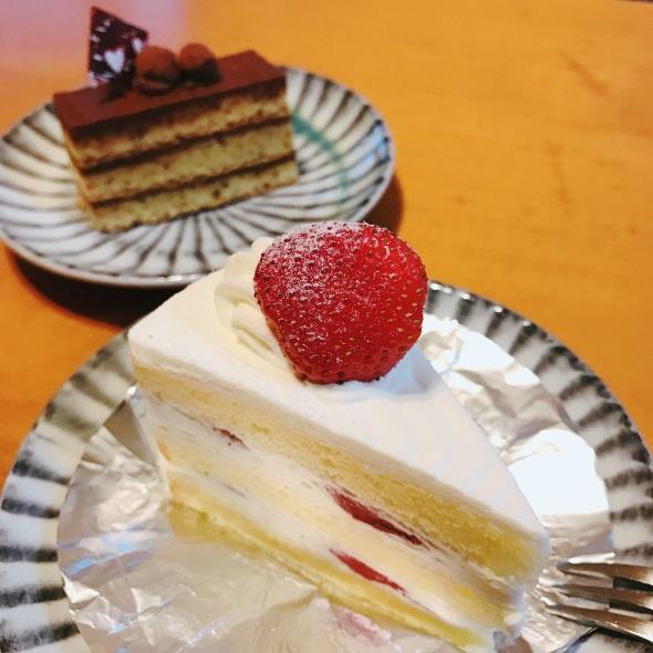 「スウィーツ1」フィルターで撮影したイチゴショートケーキ