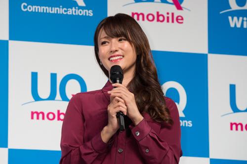 新CMでは、深田さんが長女役に