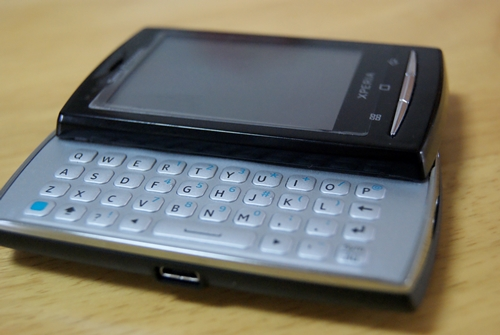 Xperia X10 mini Pro(2010年 日本未発売)