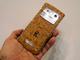ポルトガル産の、コルクでできたスマートフォン