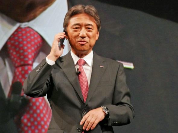 スグ電のデモをする吉澤和弘社長