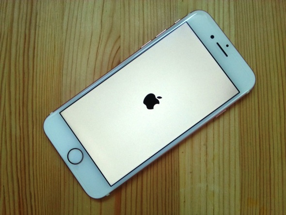 アイフォン 8 強制 再 起動