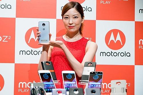 拡張機能に注目!パワーアップして使いやすくなったモトローラ「Moto Z2 Play」