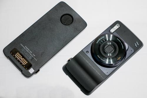 光学10倍ズームレンズを搭載したMoto Mods「Hasselblad True Zoom」