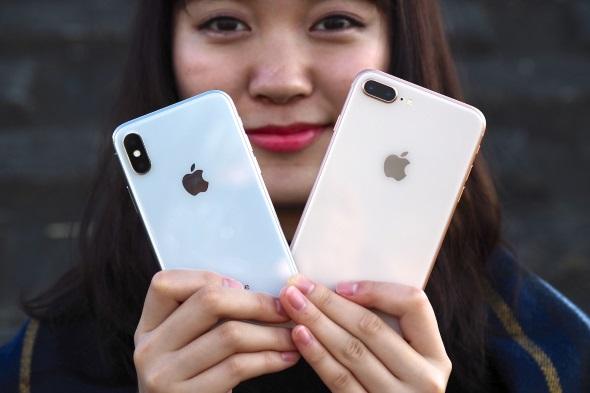 似ているようで違う「iPhone X」と「iPhone 8 Plus」のアウトカメラ
