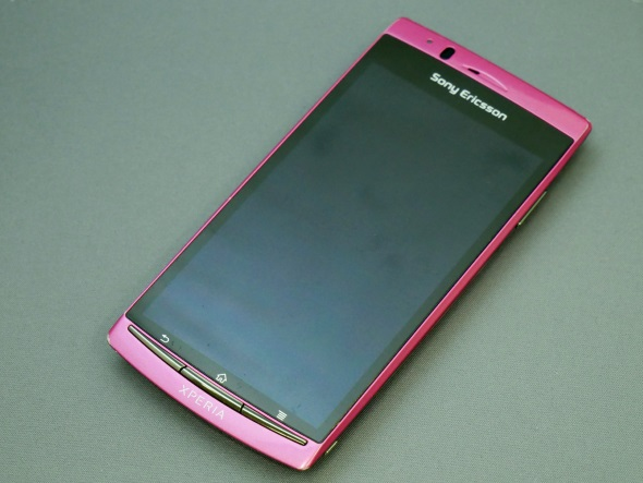 「Xperia arc SO-01C」(正面)