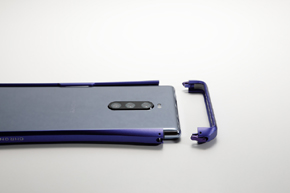 「CLEAVE Aluminum Bumper CHRONO for Xperia 1」装着イメージ