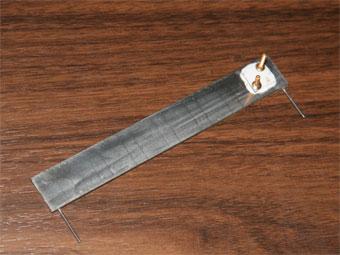 微細な流路が内部に作られたマイクロチャネル方式のヒートスプレッダ