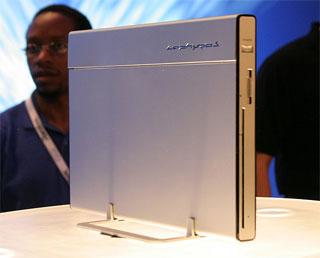薄型PS2似のコンセプトPC