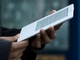 Amazon、iPhoneより薄い「Kindle 2」を発表——テキスト読み上げ機能付き
