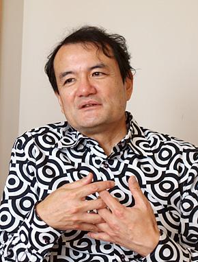慶應義塾大学大学院 政策・メディア研究科の山中俊治教授