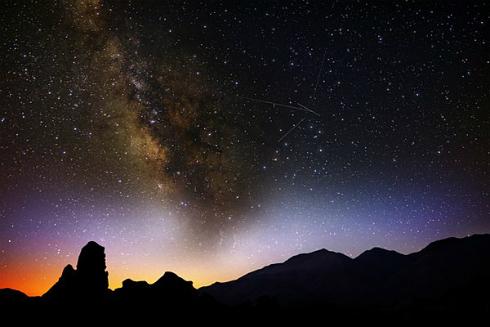 朧 流れ星