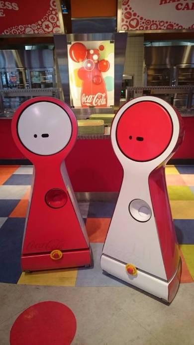 コカ・コーラ初のロボット「CoRoBo」