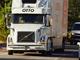 Uber傘下のOtto、自動運転トラックでバドワイザーの缶ビール5万本の運送を完了