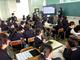 先生「どういう動きか教えて」生徒「プログラムに書いてあるからそれ見て」——大阪の小学校で「たこ焼き型ロボット」を使った実証実験