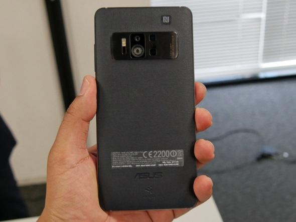 ZenFone AR(背面)