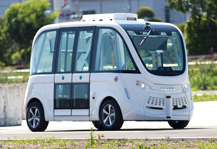 運転席ない自動運転バス、ソフトバンク子会社が実証実験 運転手不足など解決へ