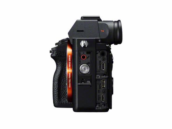 デジタル一眼カメラ「α7R III」