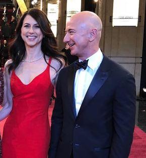 ベゾス夫妻の離婚、財産分与はAmazon株75%と全議決権が夫のジェフに ...