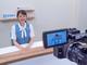 熊本の地方銀行が行内に放送スタジオを立ち上げ 内製した動画を情報共有ツールとして活用したら何が起きた?