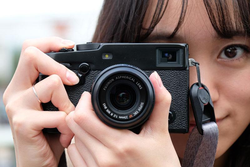 富士フイルム渾身の道楽カメラ「X-Pro3」で味わうフィルム時代のノスタルジー:荻窪圭のデジカメレビュープラス(1/6 ページ)