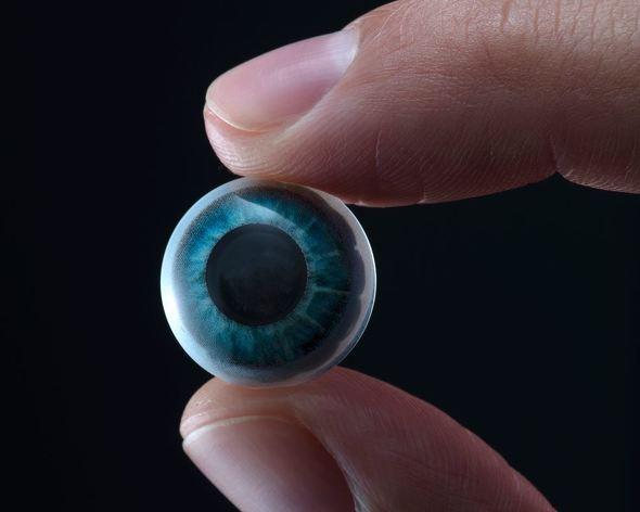 yu_mojo ARコンタクトレンズをMojo Visionが発表 現実世界をキャプションで説明