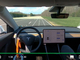 Tesla車は運転席無人でも自動走行する──Consumer Reportsが実験動画を公開