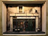 立体画家・芳賀一洋さんの作品。細かいところまで作りこまれたお店の中は、ぜひ会場で見て欲しい