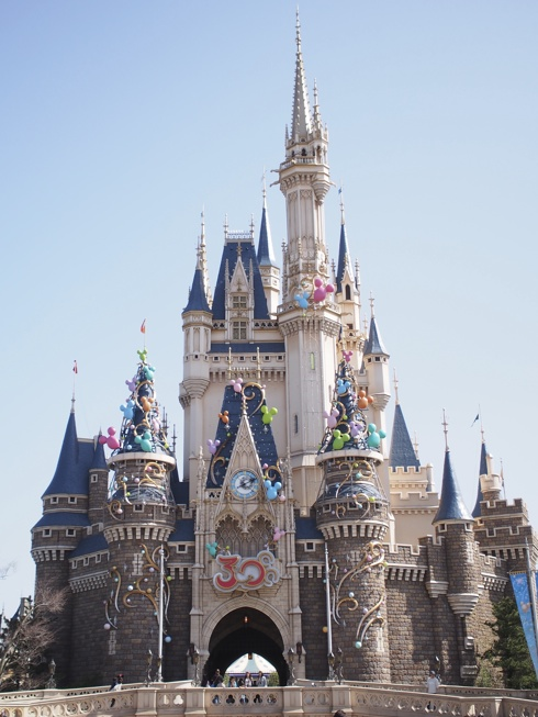 ah_04_castle.jpg