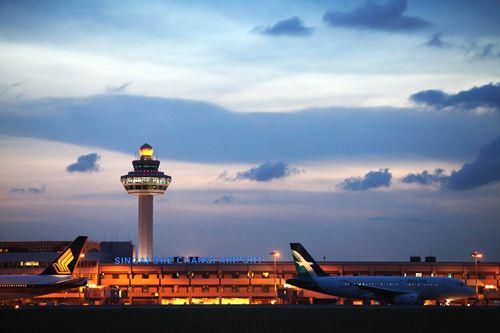 """首位度_なんだこの豪華さは……! """"世界一の空港""""シンガポール ..."""