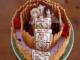 """3つの壁を再現! 「進撃の巨人」ケーキを""""調理兵団""""が構築"""