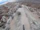 小型カメラを付けた自転車の崖下り動画 両脇に地面ないわ空が真下に来るわでスリル満点