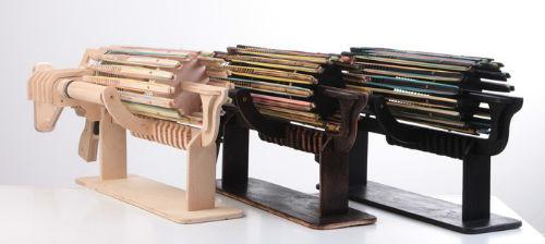 1万円で買える672連発可能な木製ガトリング輪ゴム銃が登場 ねとらぼ
