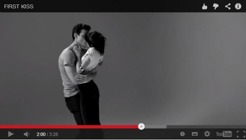 ah_kiss2.png