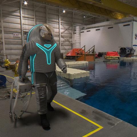 NASA最新宇宙服